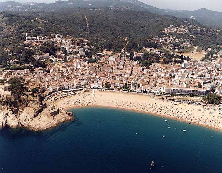 Platja gran tossa de mar platja gran tossa de mar for Oficina de turismo tossa de mar