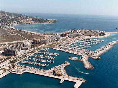 Puerto deportivo ibiza nueva baleares puertos gu as portada masmar - Restaurantes en el puerto de ibiza ...
