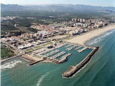 Puerto siles puerto deportivo canet de 39 n berenguer comunidad valenciana puertos gu as - Tanatorio puerto de sagunto ...